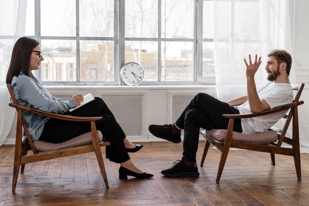 therapist and psychiatrist mental health treatment